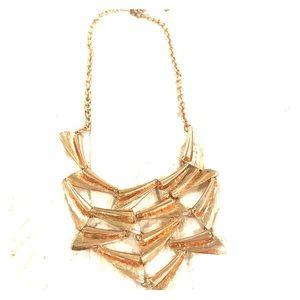 Jewelry - Beautiful gold necklace from local boutique